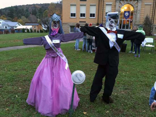 Homecoming Scarecrows!